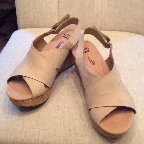 693d7dcb510 Clarks Shoes - NWT Clark Annadel Fareda sandals